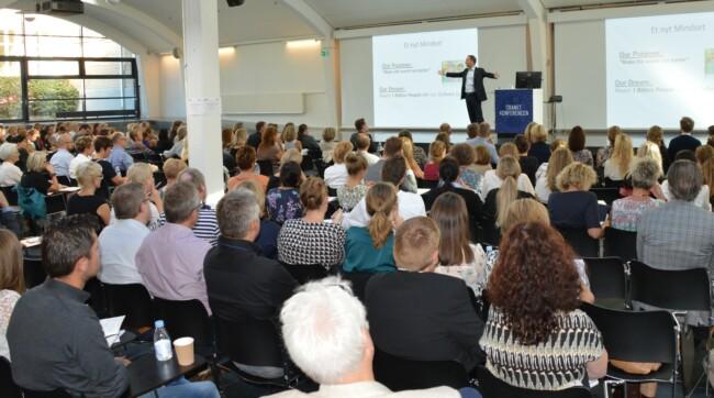 Underviser fremlægger under kursus på CBS Executive, Porcelænshaven, Frederiksberg