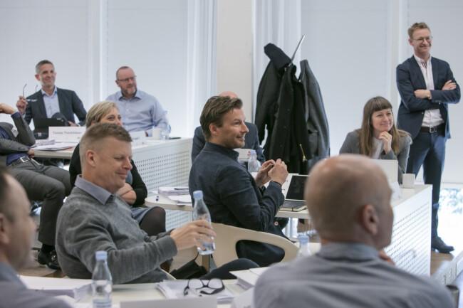 Billede af glade kursister til uddannelse hos CBS Executive