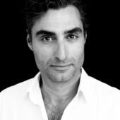 Portræt af Farshad Kholghi